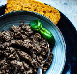 pesto, wegańska pasta. pasta roślinna, bezglutenu, zdrowe jedzenie, bezglutenowe, zdrowe odżywnianie