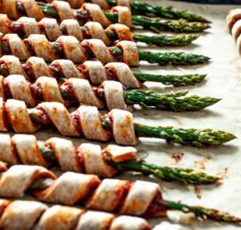 szparagi w cieście, bezglutenu, zdrowe jedzenie, zdrowe odżywianie zdrowa przekąska, wegańskie przystawki, bezglutenowe przystawki, prosty przepis, przepis na szparagi, pomysł na
