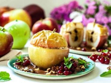 pieczone jabłka, jabłka do pieczenia, wegański karmel
